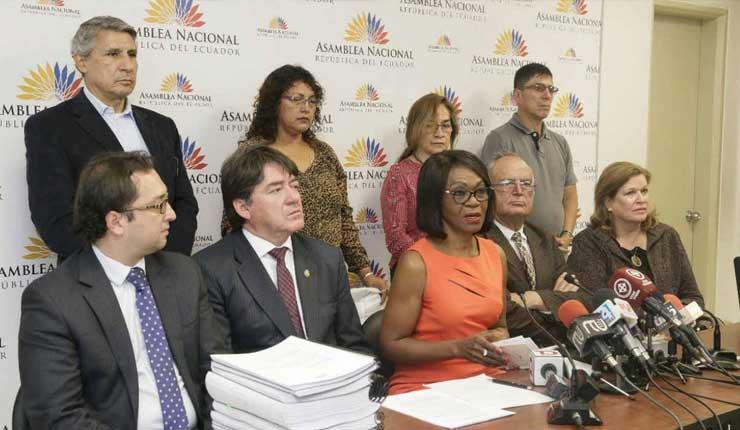 Presentan pedido de juicio político contra exprocurador de Ecuador