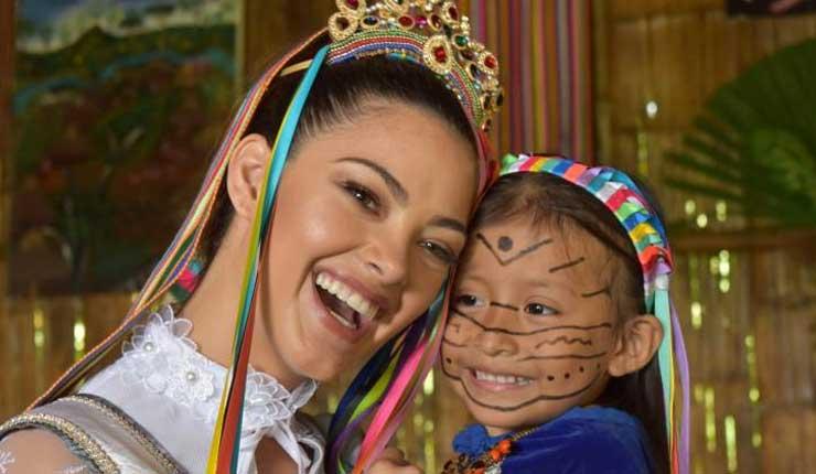Miss Universo fue coronada reina de los Tsáchilas