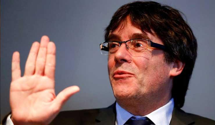 Juez español retira orden internacional de arresto contra Puigdemont