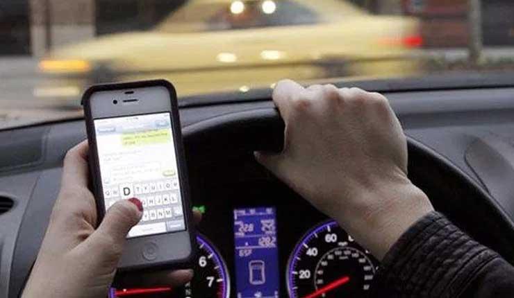 Principal causa de accidentes es por el uso del celular