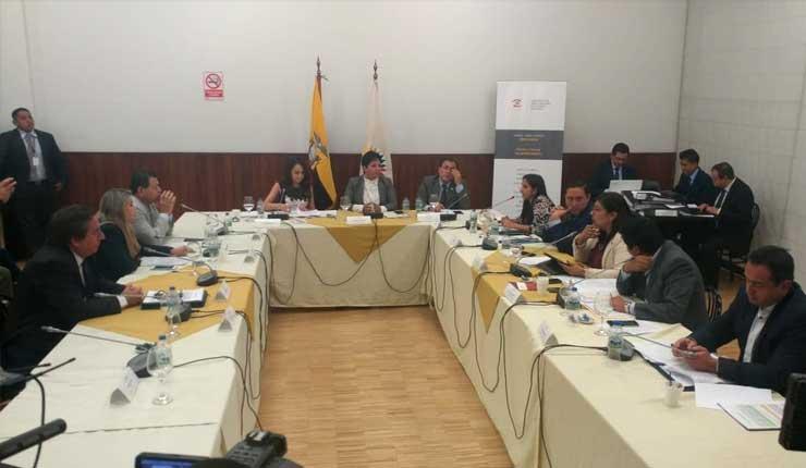 Comisión de Fiscalización no aprueba juicio político contra Superintendente de Bancos