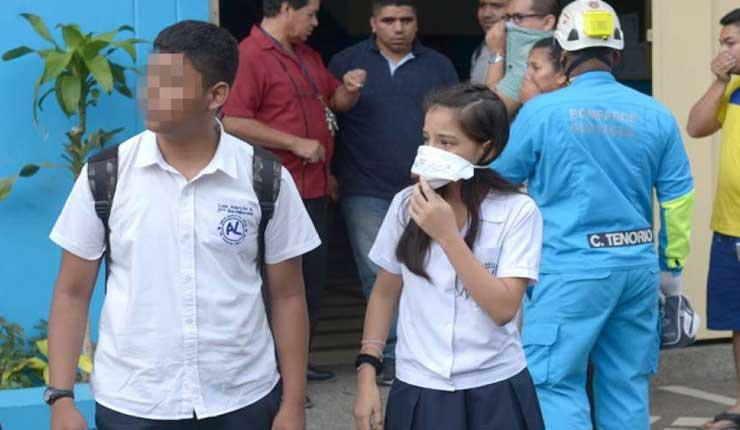 Derrame de químico afectó a los alumnos de un plantel en el sur de Guayaquil