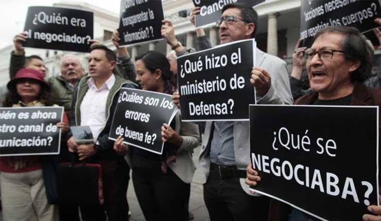 Familiares de periodistas asesinados en la frontera critican al gobierno de Lenín Moreno por los documentos desclasificados