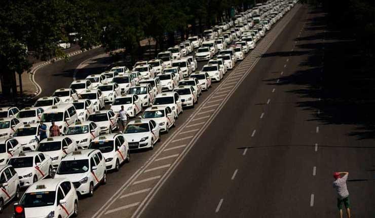 Huelga de taxistas paraliza el tráfico en España