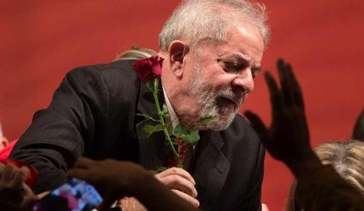 Lula asegura que no renunciará al pueblo de Brasil hasta recuperar la democracia