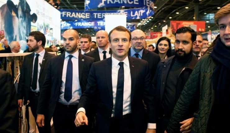 Macron despide a un colaborador detenido por golpear a un manifestante