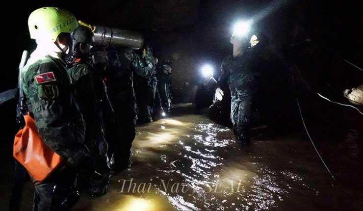 Fallece buzo en tareas de rescate de niños atrapados en Tailandia