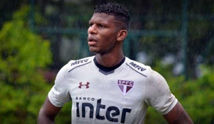 Jugador ecuatoriano Robert Arboleda, sufre accidente en Brasil