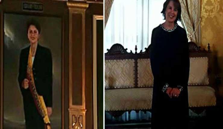Rosalia Arteaga, Política, Palacio de Carondelet,
