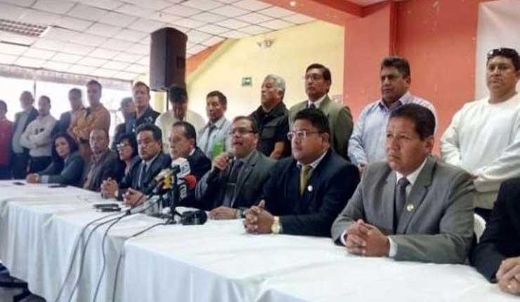Taxistas de Quito marcharán para que se retome entrega de permisos de operación