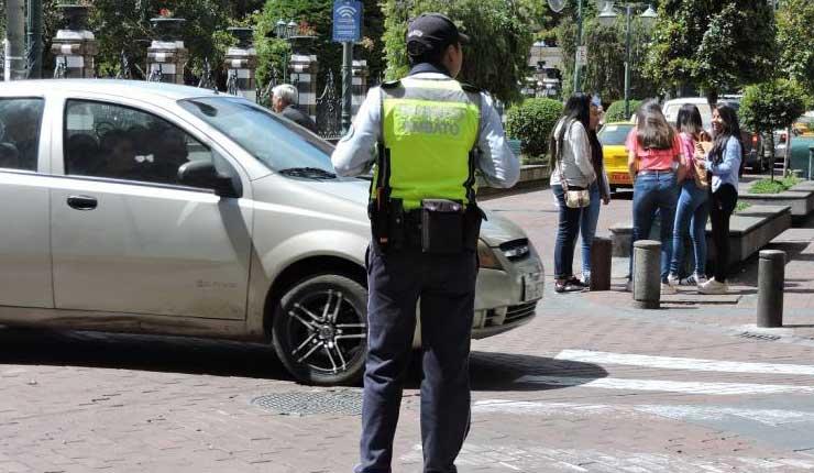 Sigue prófugo supuesto agresor de agente de tránsito en Ambato
