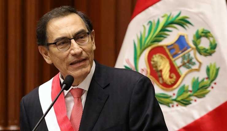 Vizcarra presiona al Congreso tras escándalo que remece Perú