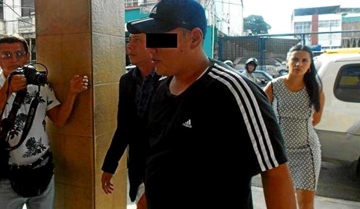 Sentencian a un año de prisión a procesado por arrastrar a vigilante de transito