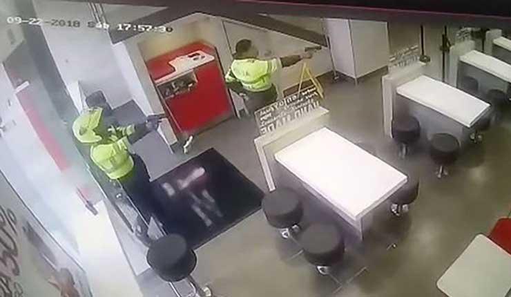 Dos patrulleras de tránsito frustran el robo de un restaurante en Colombia