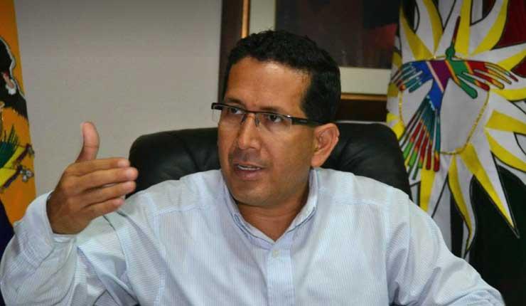 Prefecto de Santo Domingo de los Tsáchilas renunciará a su cargo