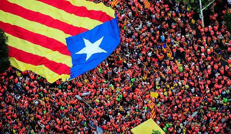 Un millón de independentistas muestran su fuerza en Barcelona