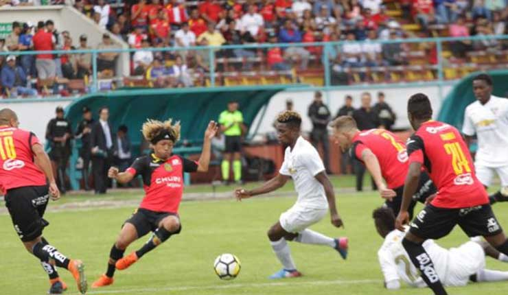 Liga de Quito, Campeonato Ecuatoriano, Fútbol,