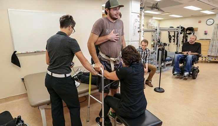 Parapléjico caminó bajo estimulación eléctrica en Estados Unidos