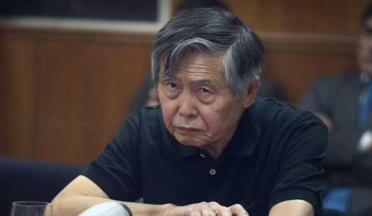 Perú aprueba ley para librar a Alberto Fujimori de prisión