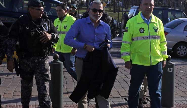 Fernando Alvarado avisó al Ministerio de Justicia que se marchaba, mediante un chat