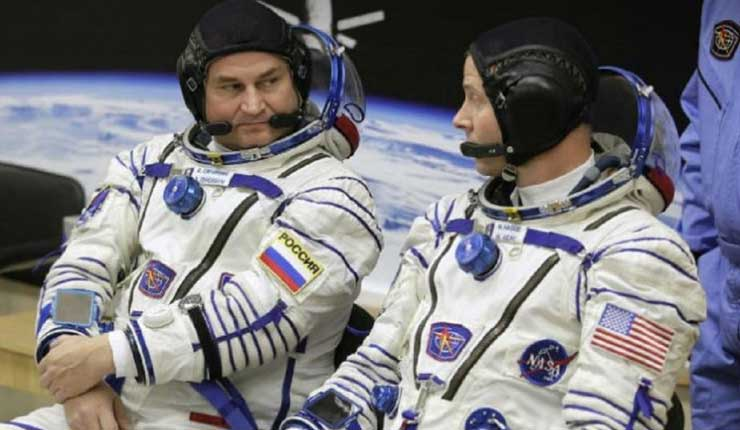 Astronautas volarán al espacio a principios de 2019, tras lanzamiento fallido de la nave Soyuz