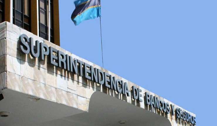 Superintendencia de Bancos advierte al sistema financiero de cobros no autorizados
