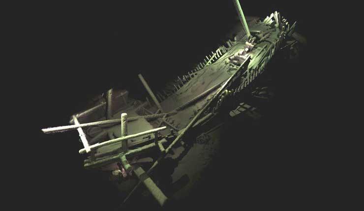 Descubren restos intactos de un barco de hace 2.400 años