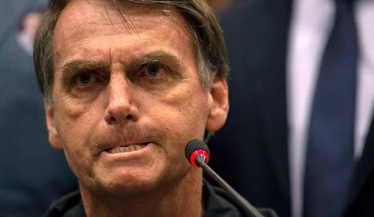 Empresas cercanas a Bolsonaro financian mentiras en WhatsApp contra PT, según medio brasileño