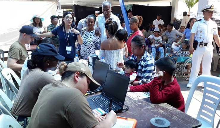 Esmeraldas: Incidentes por conseguir atención en buque hospital de EE.UU