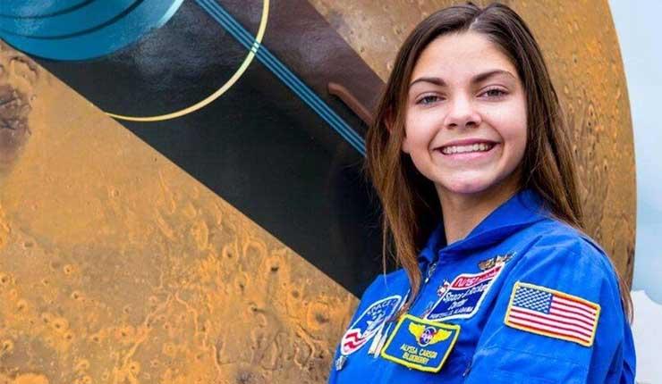 La NASA entrena a chica de 17 años, y podría viajar a Marte en 2033