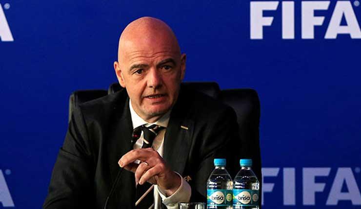 Oposición europea frena propuestas de FIFA para torneos