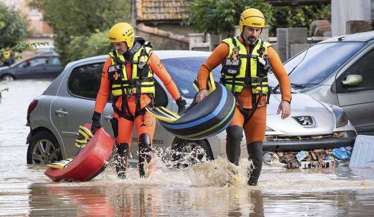 Suben a 13 los muertos en inundaciones en el sur de Francia