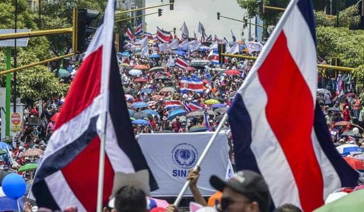 Costa Rica entra en la cuarta semana de huelga del sector público