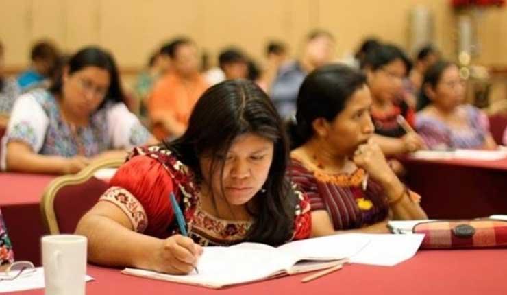 En México solo el 1% de la población indígena llega a la universidad