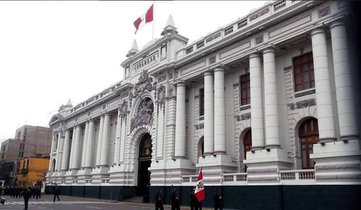Crisis política y judicial en Perú: Un choque de intereses