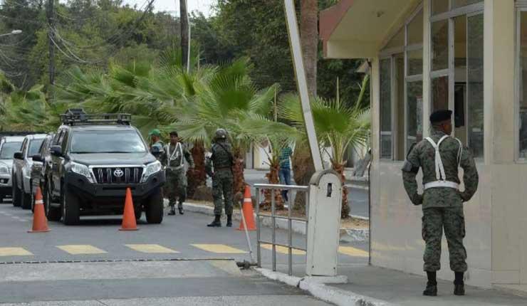 Dictan prisión preventiva a 7 militares y 6 civiles por presunto tráfico de armas