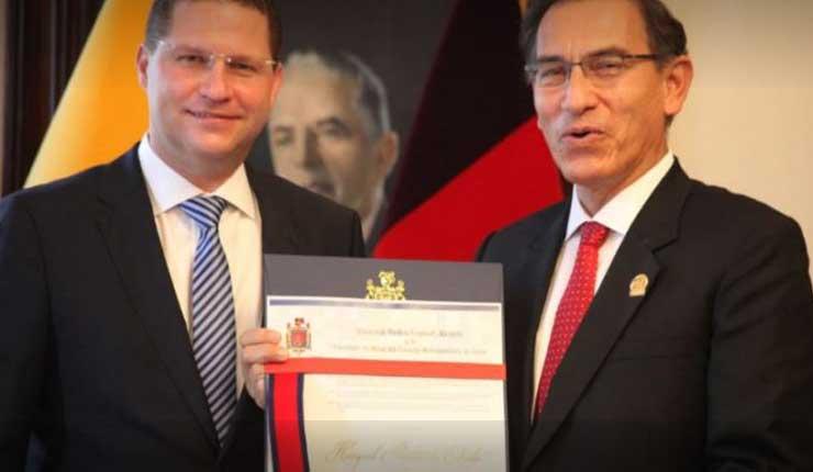 Alcalde de Quito entrega Llaves de la ciudad al presidente de Perú