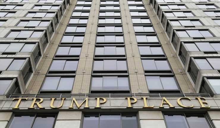 Otro edificio retirará el nombre Trump de su entrada, sucedió en Nueva York