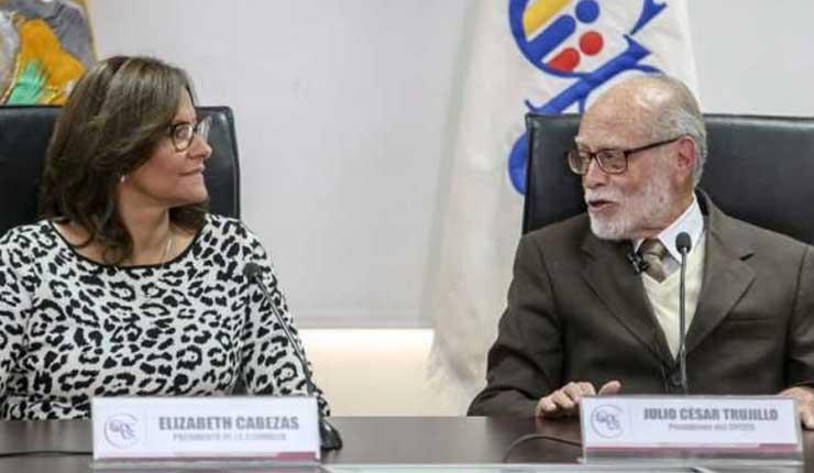 Piden destitución y suspensión de derechos políticos de Elizabeth Cabezas y Julio César Trujillo, tras denuncia