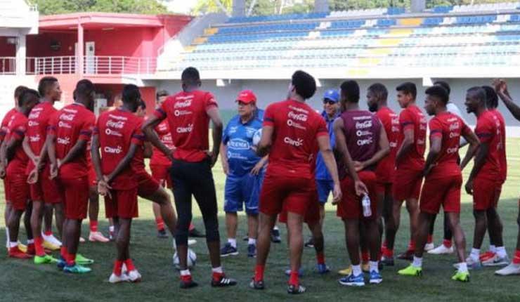 Selección de Ecuador prepara alineación para el partido frente a Panamá