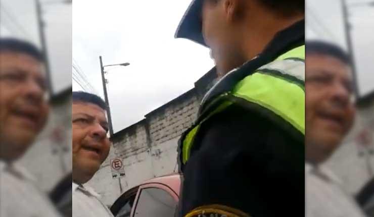 Agreden verbalmente a agente de tránsito en Santo Domingo