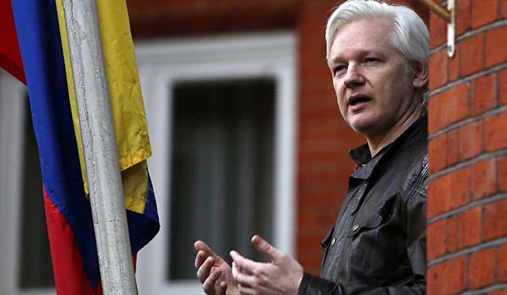 Washington va por Assange con la complicidad del Ecuador