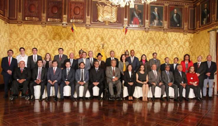 Moreno cambia miembros de su gabinete dejando de lado al correísmo y mirando hacia la derecha