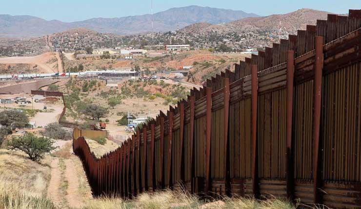 Trump cerrará frontera con México, si no se financia la construcción de muro