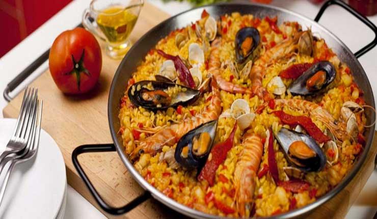 Paella española en Santo Domingo de los Tsáchilas