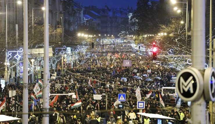 Nueva jornada de protestas contra el gobierno en Hungría
