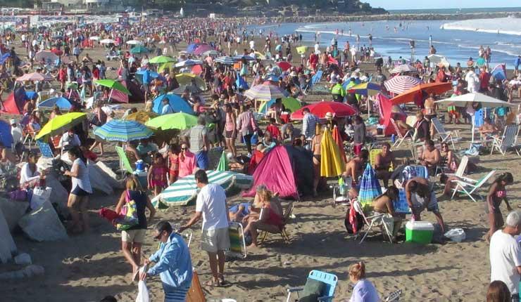 Más de medio millón de turistas viajaron durante feriado