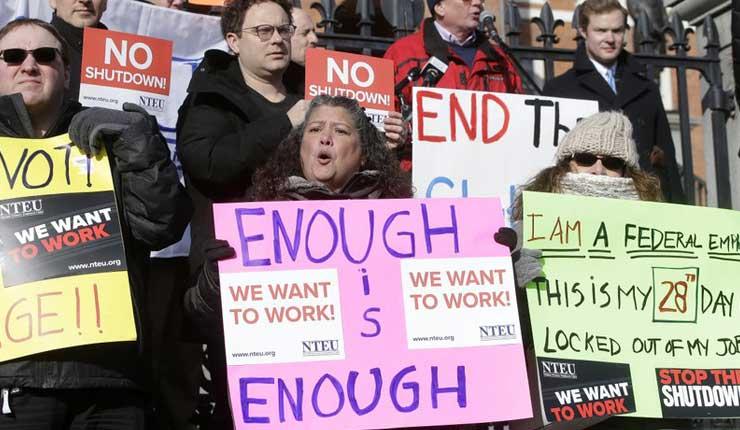 EEUU: Empleados federales solicitan asistencia por desempleo