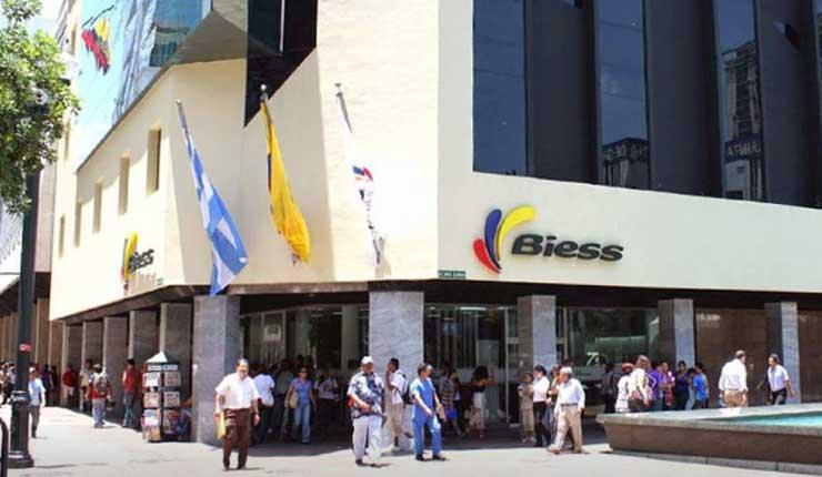 El Biess busca emitir su propia tarjeta de crédito