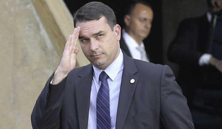 Fiscalía de Brasil descubrió 2 millones de dólares ilegales en la cuenta del hijo de Jair Bolsonaro